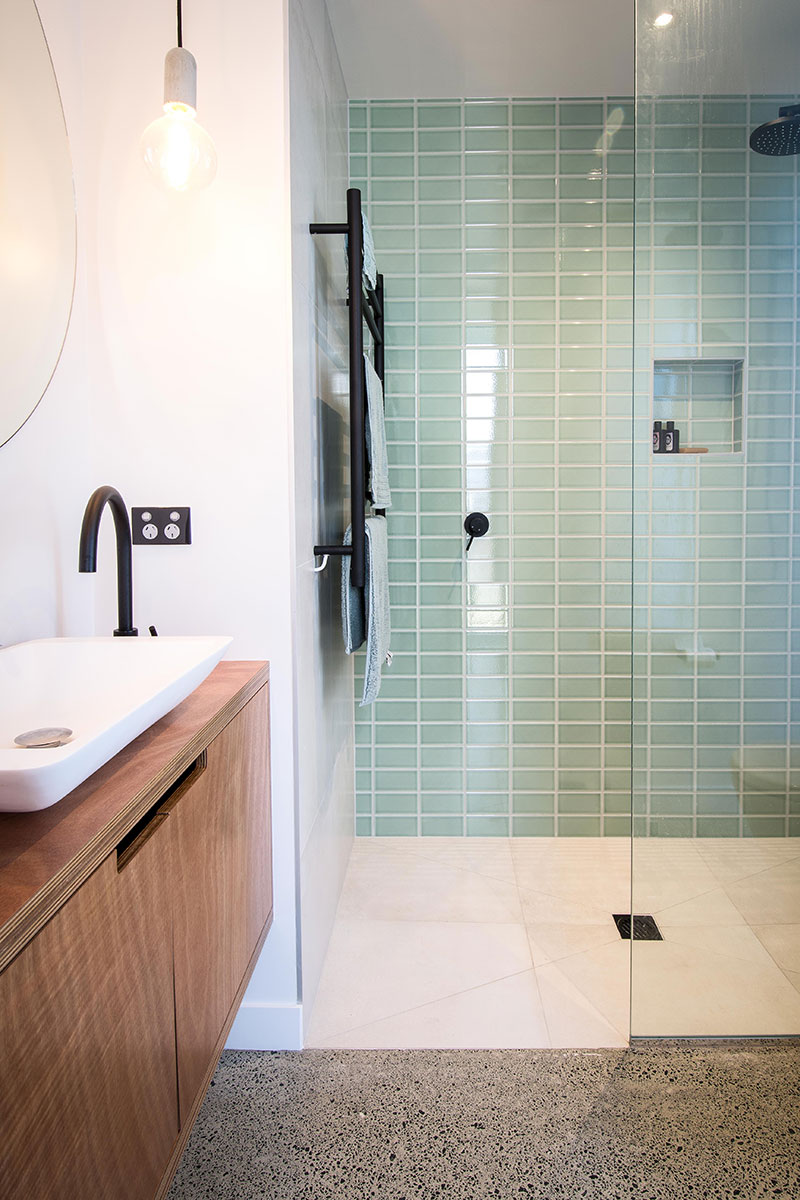 Bathroom tiles image